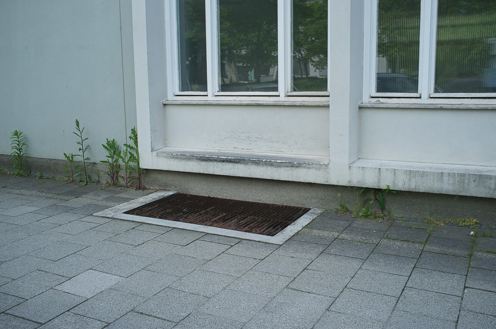Finanzamt-Fenster-Curbs