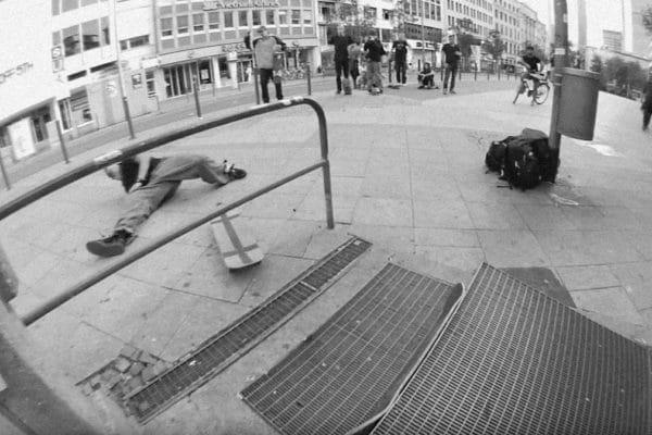 dshild-crew-irregular-skateboard-magazin