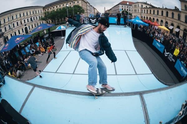 Ridefurther-Tour-Munich-Streetlife-philpham-irregularskatemag