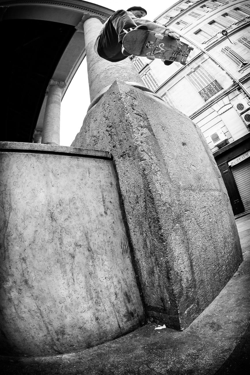 faust-in-marseille-Skate-Trip-irregularskatemag-fabian-reichenbach-22