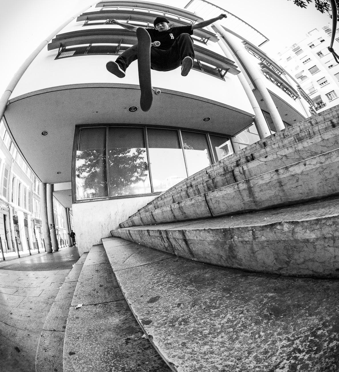 faust-in-marseille-Skate-Trip-irregularskatemag-fabian-reichenbach-38