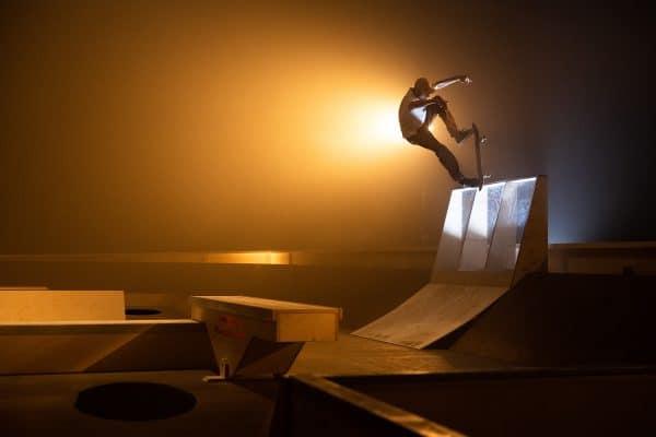Madars-Apse-Blunt-to-fakie-Red-Bull-the-maze-Daniel-Wagner-irregular-skateboard-magazin